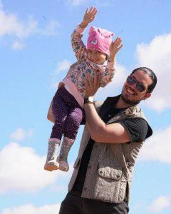 دختر مهناز افشار در آغوش همسرش