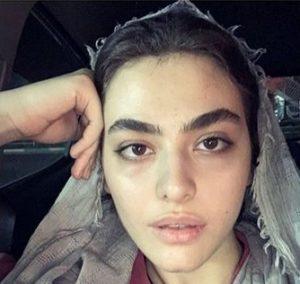 عکس بدون آرایش ریحانه پارسا