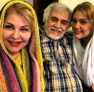 عکس سه نفره ی اکرم محمدی و مجید جعفری و دخترشان