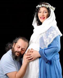 عکس بارداری زیبا بروفه با لباس آبی در کنار همسر مرحومش پیام صابری