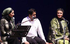 خوانندگی مریم امیرجلالی در گروه موسیقی با لباس سنتی