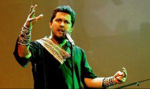 خوانندگی حامد بهداد با لباس سنتی