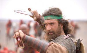 حامد میرباقری در نقش وهب نصرانی و ثابت بن مختار ثقفی با شمشیر در دست در میدان جنگ