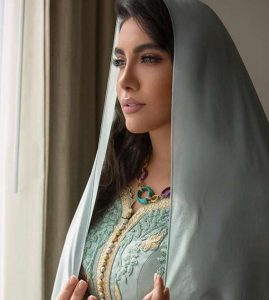 الهه فرشچی با شال و لباس هندی