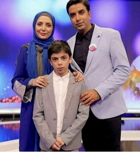 رویا میرعلمی و همسرش حسین کیانی و فرزندشان در برنامه کودک شو