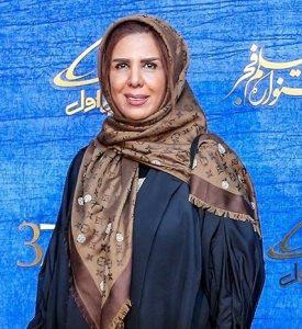 الهام غفوری در جشنواره فیلم فجر با روسری قهوه ای و مانتو مشکی