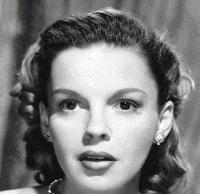 عکس پرتره سیاه و سفید جودی گارلند