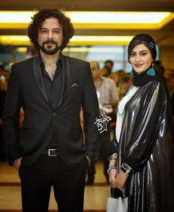 تیپ رسمی حسام منظور با کت شلوار در کنار مریم مومن