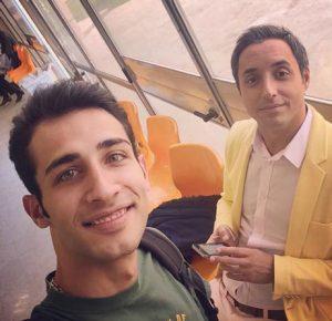 سلفی مهران ضیغمی با لباس سبز در کنار امیر حسین رستمی