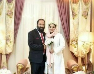 نرگس محمدی و علی اوجی در روز عقدشان