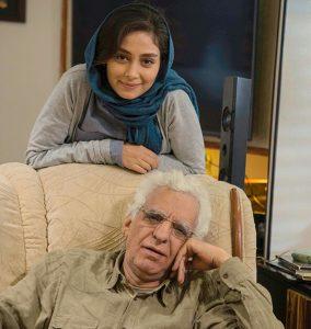 دیبا زاهدی در کنار کیومرث پور احمد