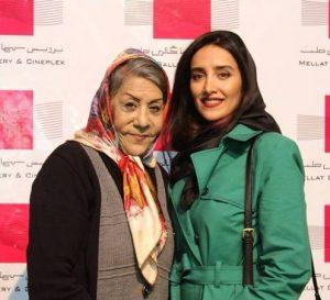 شهربانو موسوی در کنار دختر در پردیس سینمایی