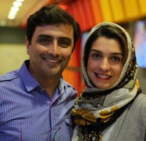 تصویری امین زندگانی با پیراهن ابی و همسرش