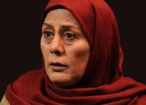 مهوش افشارپناه بازیگر 71 ساله با روسری قرمز
