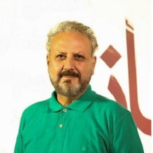 جلیل فرجاد با تیشرت سبز