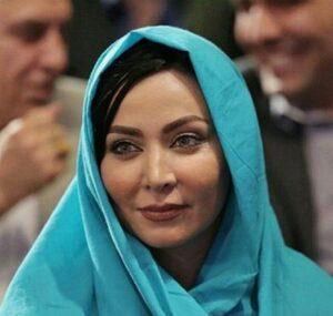 فقیهه سلطانی با روسری ابی