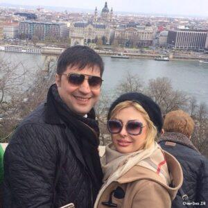 تصویری از نیوشا ضیغمی در کنار همسرش در لندن