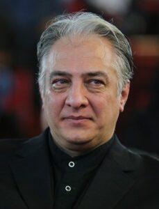 تیپ مشکی ایرج نوذری از بازیگران مرد قد بلند ایرانی