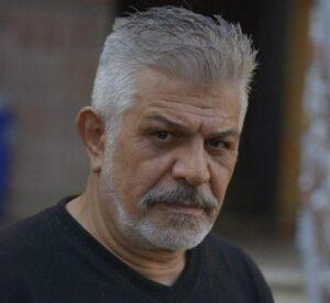 پرویز فلاحی پور با تیشرت مشکی