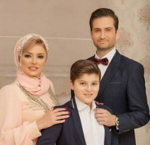 تیپ رسمی پویا امینی و همسر و فرزندش در سالگرد عروسیشان