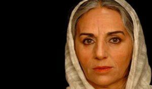 مریم بوبانی بازیگر 67 ساله با شال سفید