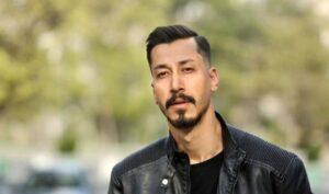 تیپ مشکی بهرام افشاری با کت چرم از بازیگران مرد قد بلند ایرانی