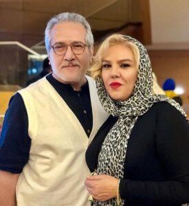 شاهرخ فروتنیان با جلیقه سفید و پیراهن ابی و همسرش افسانه چهره آزاد
