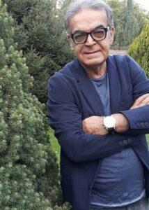 تیپ سورمه ای حمید لولایی از بازیگران مرد ایرانی بالای 40 سال