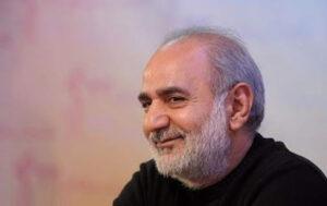 پرویز پرستویی با تیشرت مشکی