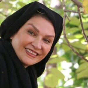 مینا نوروزی بازیگر 55 ساله با شال مشکی