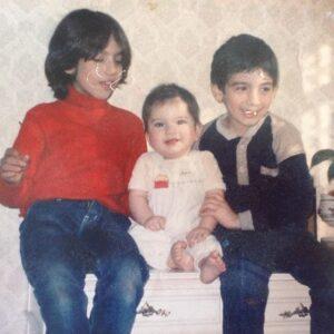 متین ستوده و خواهر و برادرش در کودکی