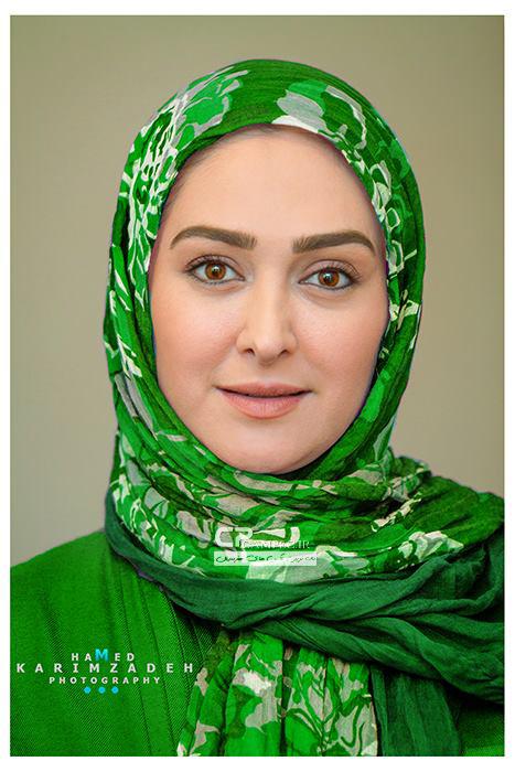 عکس های بدون آرایش الهام حمیدی با شال و لباس سبز