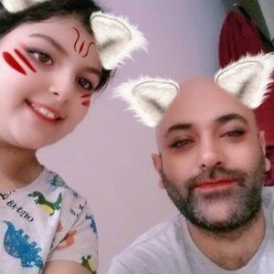 مهدی کوشکی به همراه خواهر ریحانه پارسا حنانه با فیلتر اسنپ چت