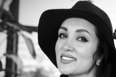 روناک یونسی با کلاه مشکی - عمل زیبایی روناک یونسی