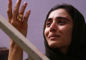 آناهیتا افشار در فیلم یک کیلو و بیست و یک گرم