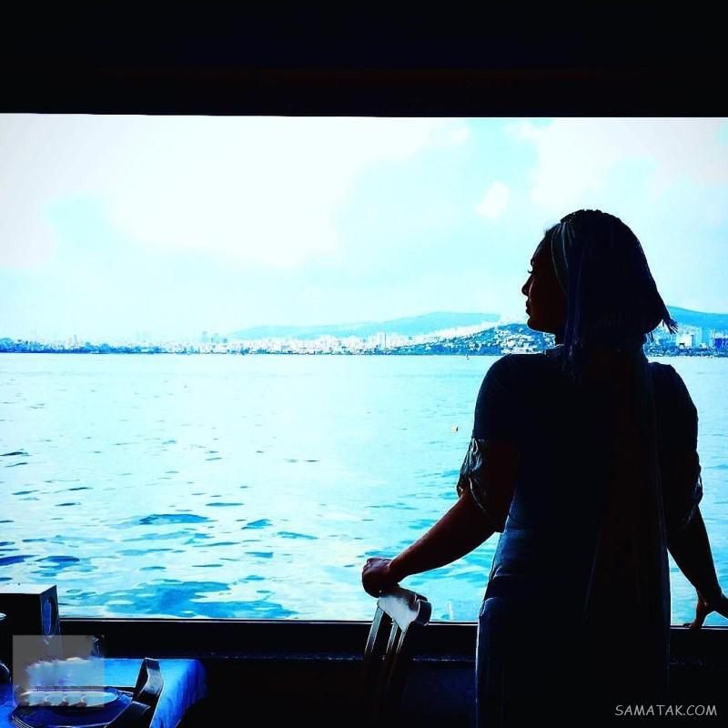 سحر قریشی در کنار دریا - عکس بی حجاب سحرقریشی