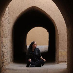 متین ستوده در مناطق قدیمی شهر