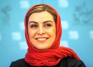ماهچهره خلیلی از بازیگران زن دهه 50 با شال قرمز