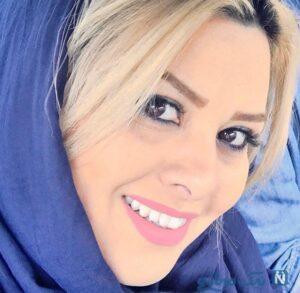 مادر ریحانه پارسا با روسری آبی