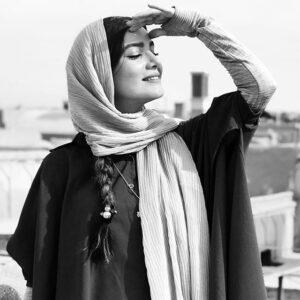 عکس سیاه و سفید متین ستوده