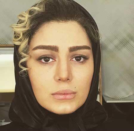 سحر قریشی با روسری مشکی و موی فر - عکس های بدون آرایش سحر قریشی