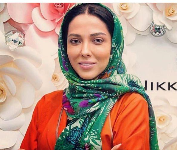 لیلا اوتادی با شال سبز - عکس های بدون آرایش لیلا اوتادی