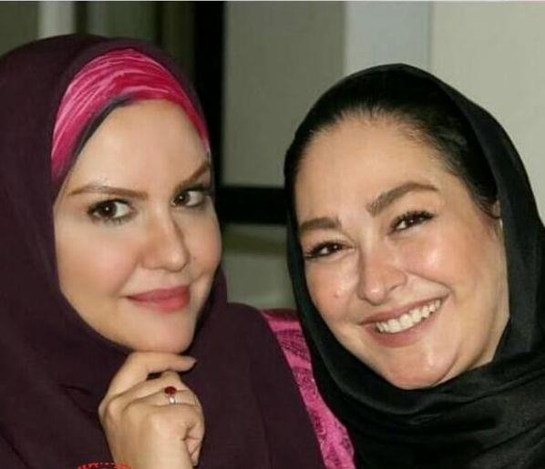 عکس های بدون آرایش الهام حمیدی و روسری مشکی در کنار دوستش