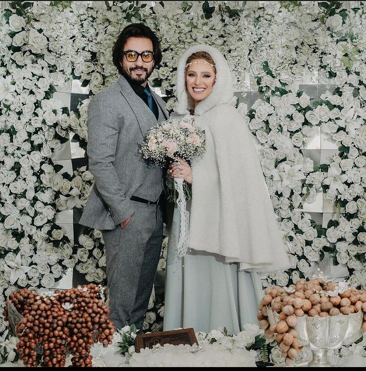 نگین معتضدی با لباس عروس و همسرش با کت و شلوار رسمی-ازدواج نگین معتضدی