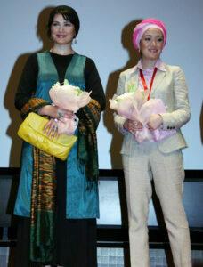 تیپ سفید بهاره افشاری در جشنواره خارج از کشور