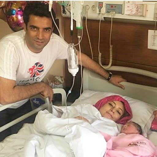 یکتا ناصر در بیمارستان پس از زایمان