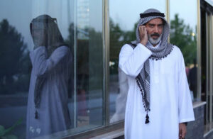 حمیدرضا پگاه با لباس عربی در سریال خانه امن