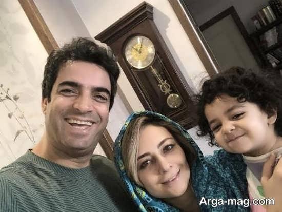 سلفی یکتا ناصر با روسری آبی در کنار همسرش منوچهر هادی و دخترش صوفیا - عکس های بدون آرایش یکتا ناصر