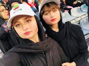 سارا و نیکا فرقانی اصل در ورزشگاه آزادی