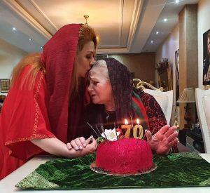 نسرین مقانلو در جشن تولد 70 سالگی مادرش